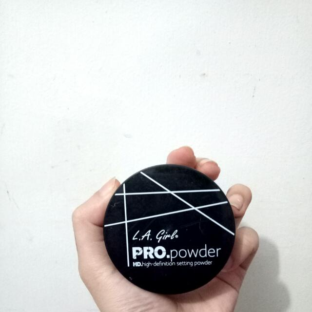L.A Girl PRO.powder setting powder