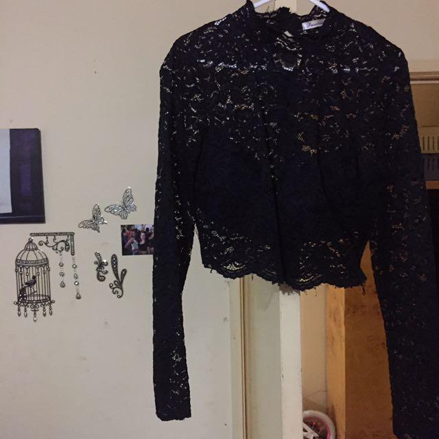 Lace Black Crop