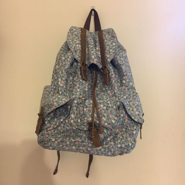 LOG-ON Floral Drawstring And Buckle Backpack