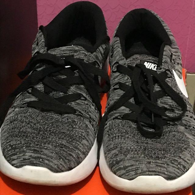 Nike Flyknit Lunar Epic Size 43