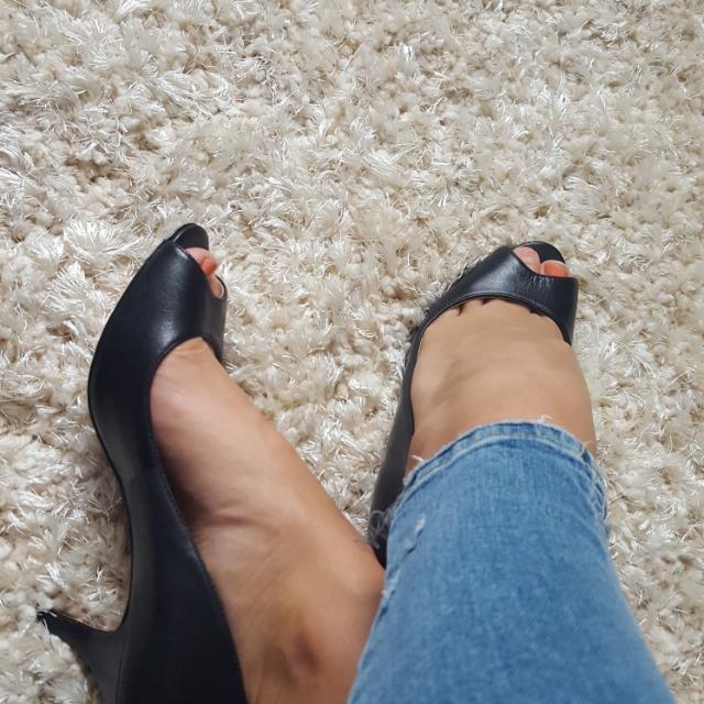 Nine West Leather Peep Toe