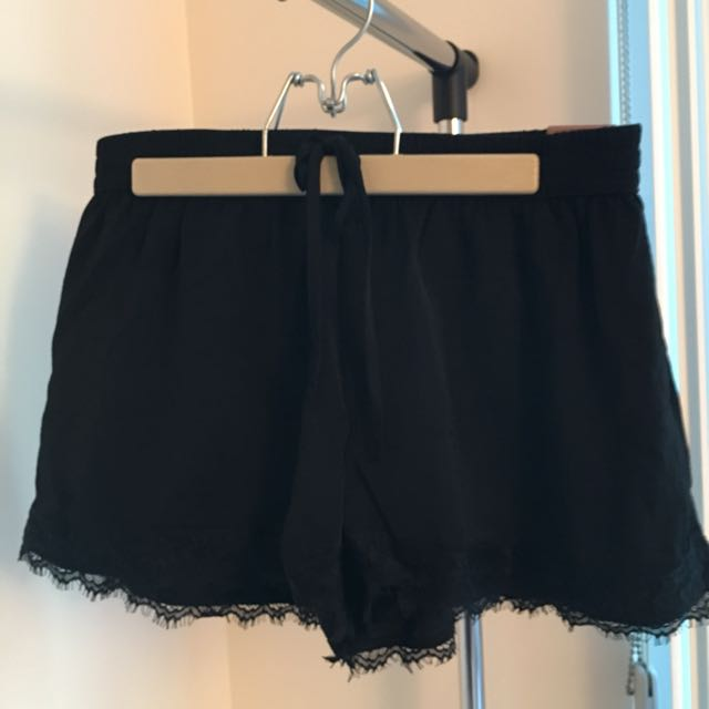 NWT - Hollister Lace Hem Shorts