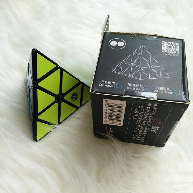 Rubick Segitiga Magnet original