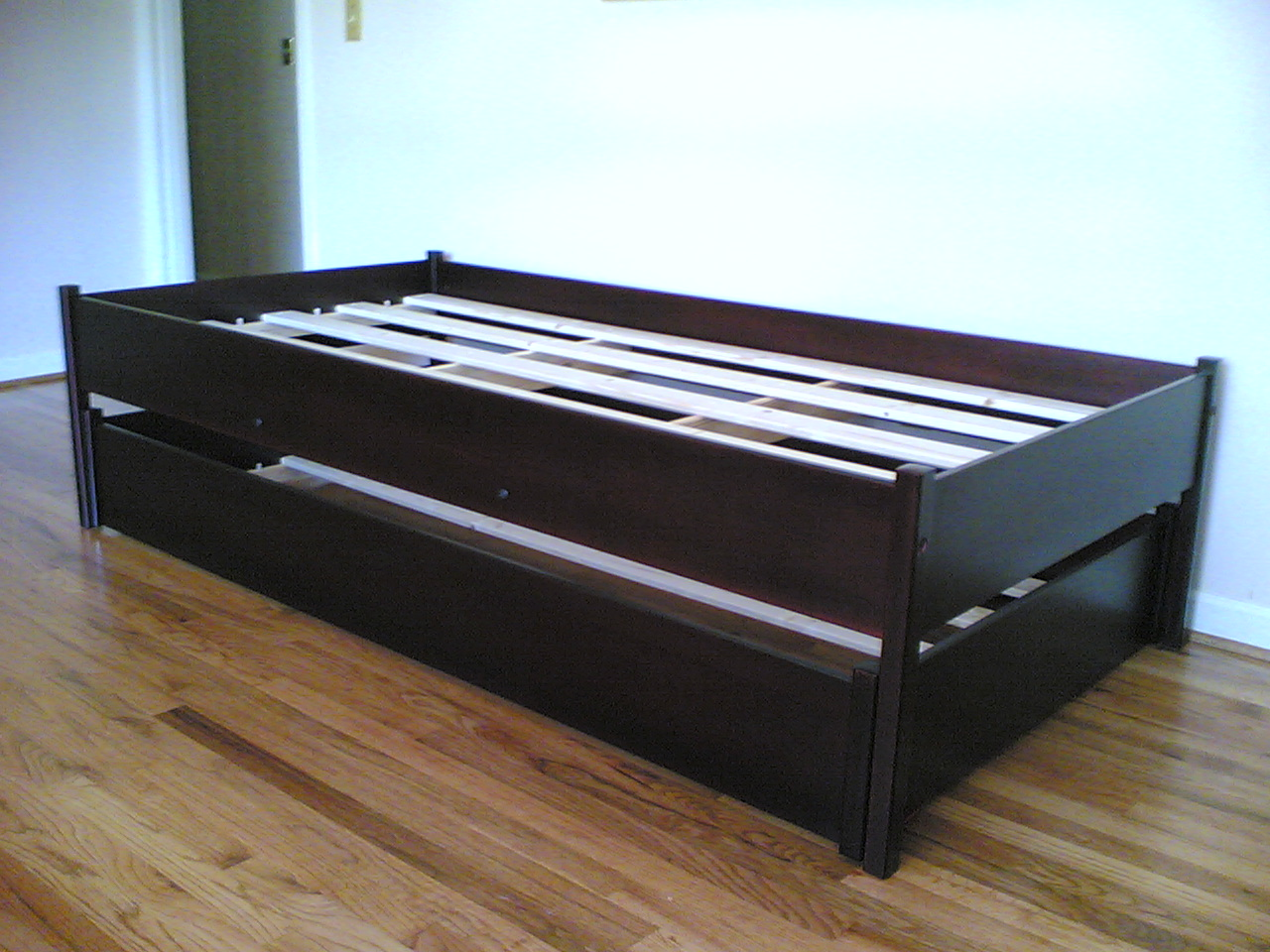 Wooden Trundle Bed - Wooden Designs