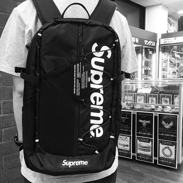 wholesale dealer d62f5 c1f0d Supreme SS17 Backpack (Black), Men s Fashion, Bags   Wallets on Carousell