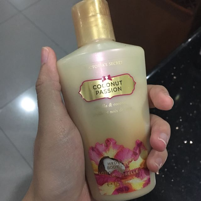 [Victoria Secret] Coconut Passion Body Lotion