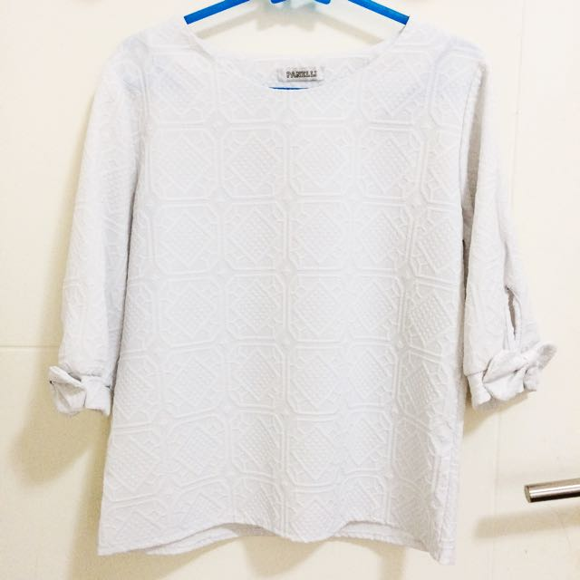 White Pattern Blouse With Bow Sleeves