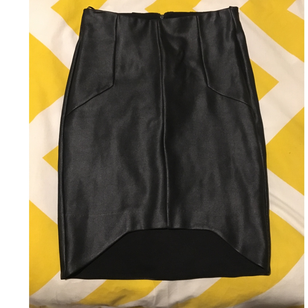 Witchery Leather Look Skirt size 6