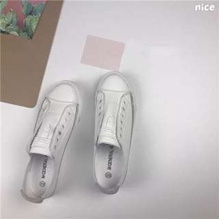 無鞋帶小白鞋
