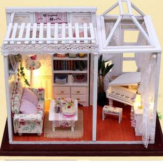 Miniature DIY Doll House