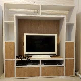 Lemari tv dengan kabinet rak dan laci penyimpanan