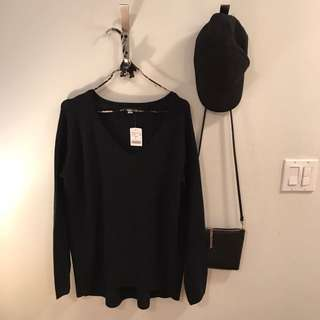 Mendocino V-Neck Knit Sweater