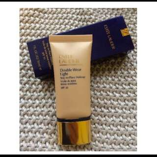 Estee Lauder Double Wear Light Shade 1.0