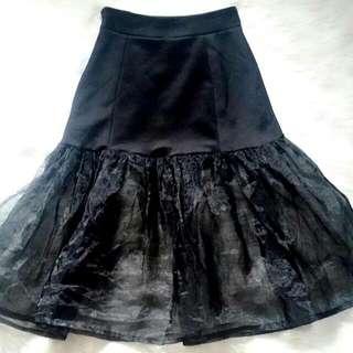 Sheer bottom skirt