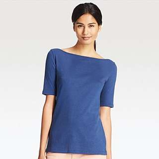 Uniqlo Boat Neck Tshirt Kaos Basic Tee