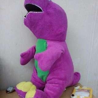 boneka dinasaurus