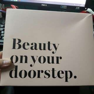 "Pretty Box ""Beauty On Your Doorstep"""