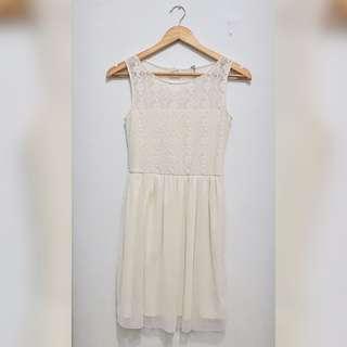 [STRADIVARIUS] Lace Mini Dress