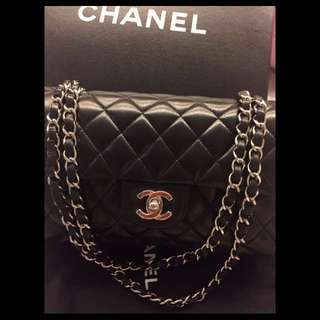 ‼️Hold‼️Chanel Classic Double Flap Bag!