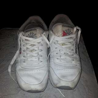 Reebok White Leather Sneakers Size 7us Wmns
