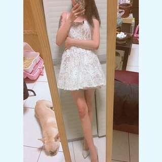 細肩蕾絲洋裝