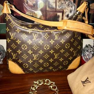 Authentic Vintage Louis Vuitton Boulogne Monogram Shoulder Bag 30