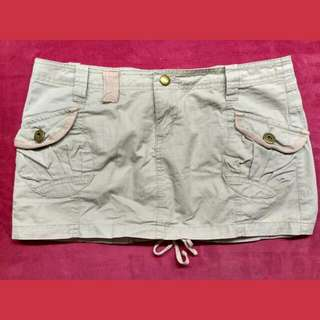 Casual Mini Skirt Colour : Cream Size : M Used Once