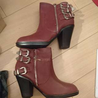 New Look Booties Size 38 號