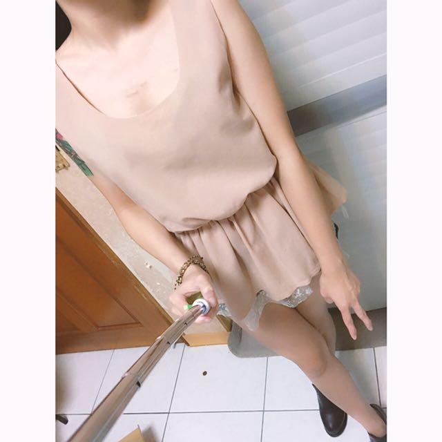 無袖縮腰蕾絲上衣
