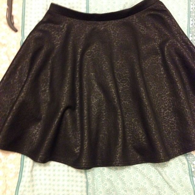 Black Skater Textured Skirt