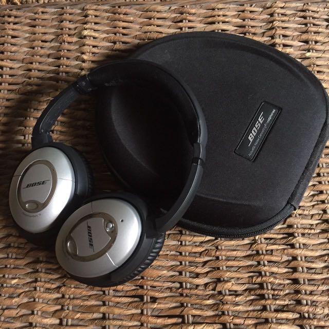 Bose Quiet Comfort 15 Noise Cancelling Headphones