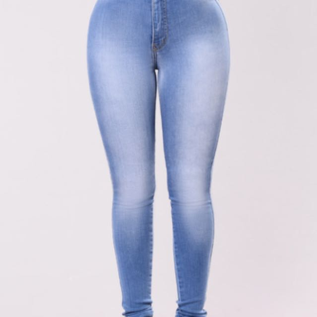BRAND NEW HIGH WAISTED FASHION NOVA JEANS