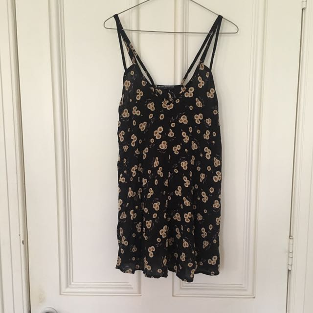 Brandy Melville Daisy Print Dress
