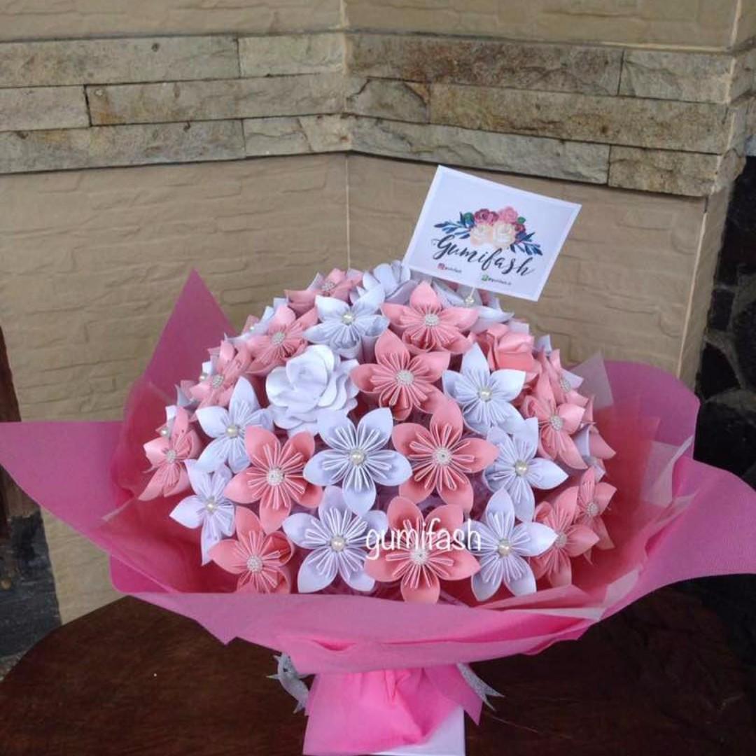 BUCKET PAPER FLOWERS