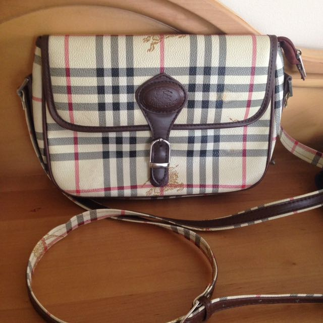Inspired Burberry Purse