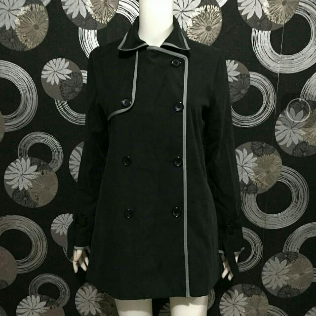 Coat Studio Black