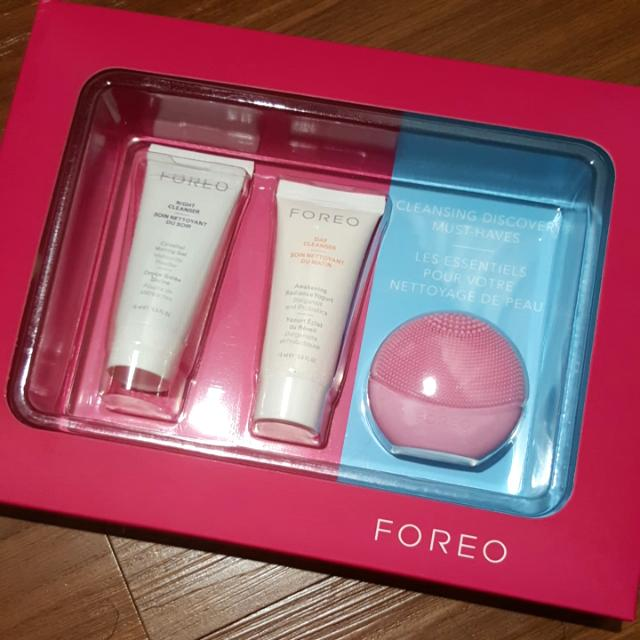 FOREO cleansing Discovery Must Haves