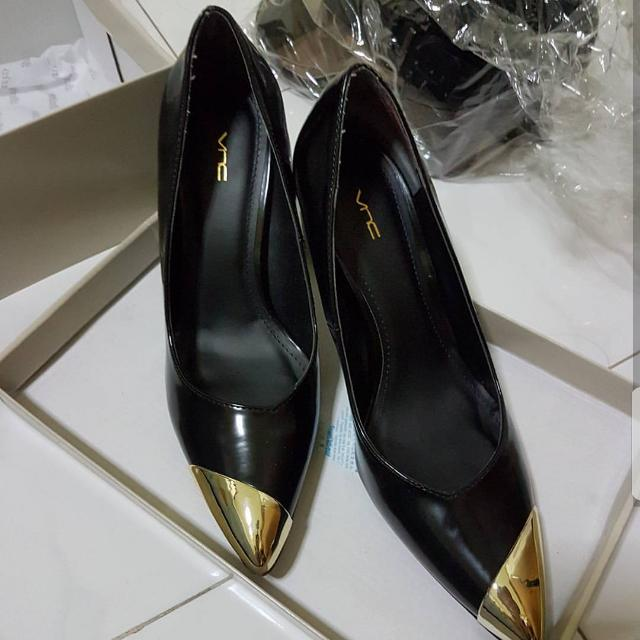 Heels Pointed Gold VNC Size 38