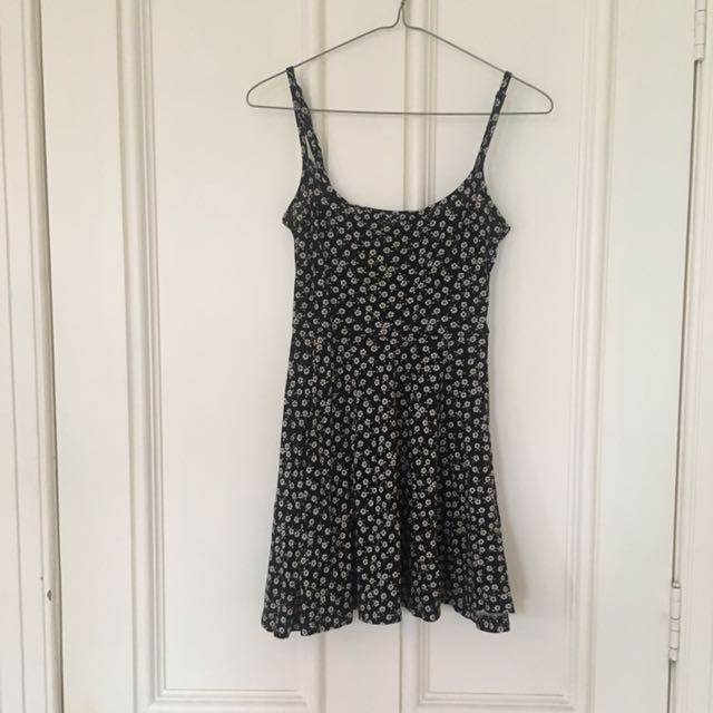 H&M Divided Daisy Print Skater Dress
