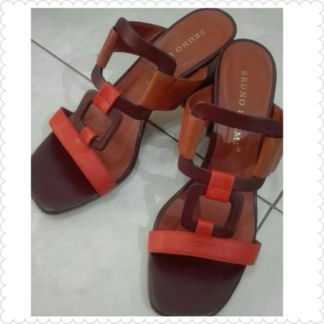 Hush Puppies Ori Size 38