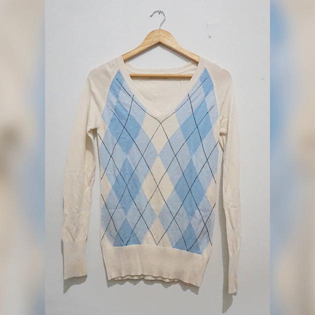 [HUSH PUPPIES] Sweater Kotak2 Biru Muda Argyle