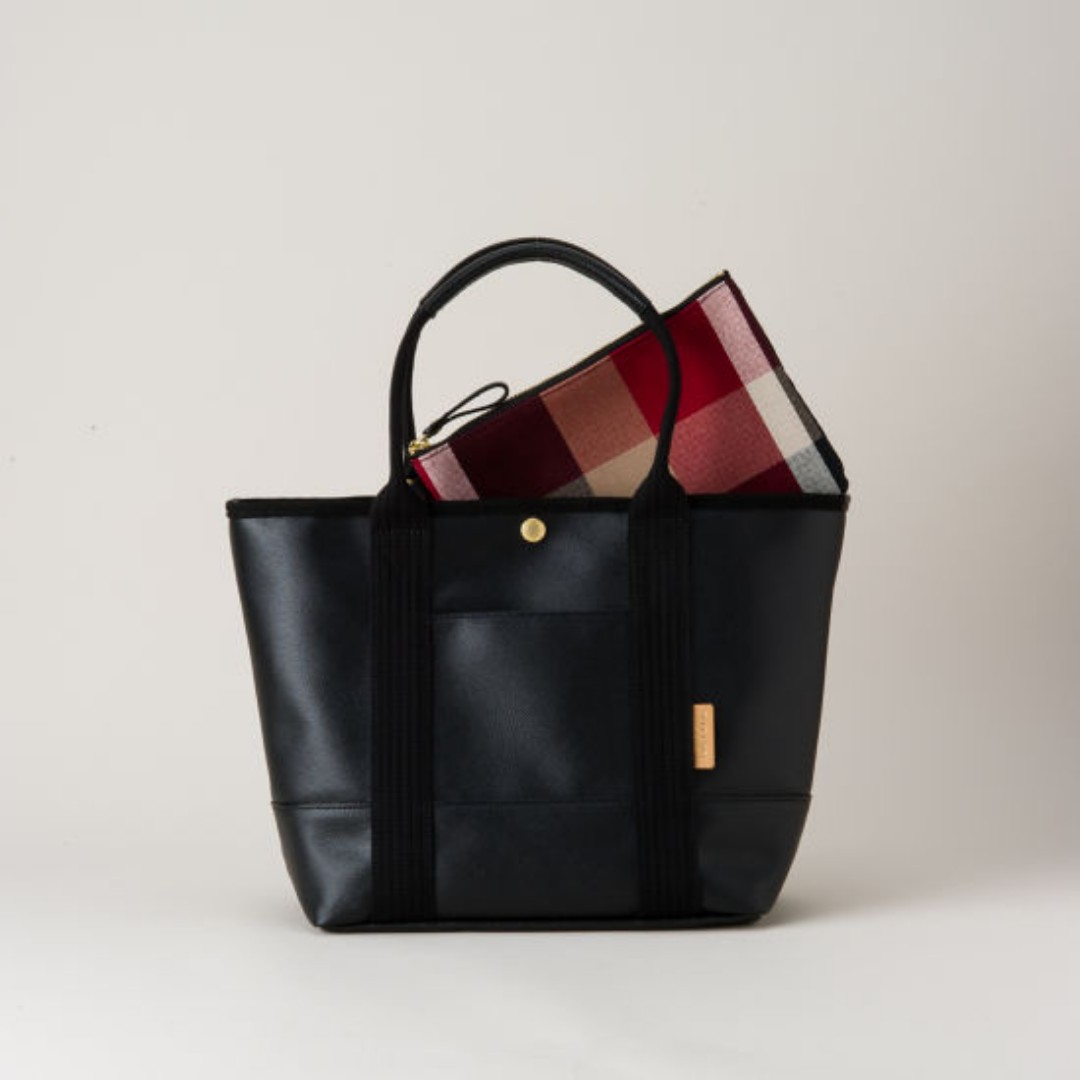 0af15c5891 Japan CrestBridge Daily Tote Bag (Black)