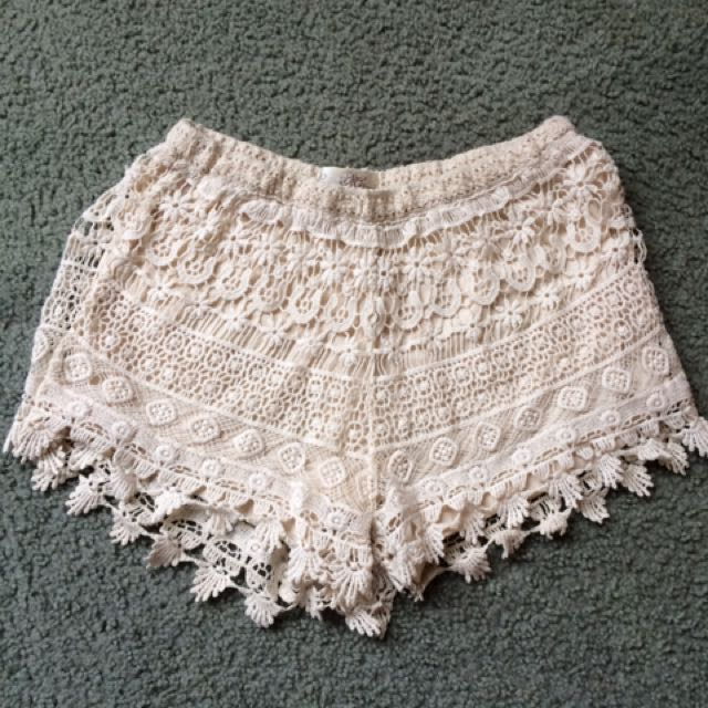 Lacey Short Shorts - Cream