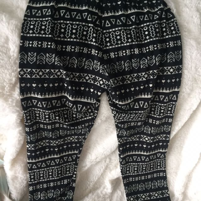 Leggings With Geometric Pattern