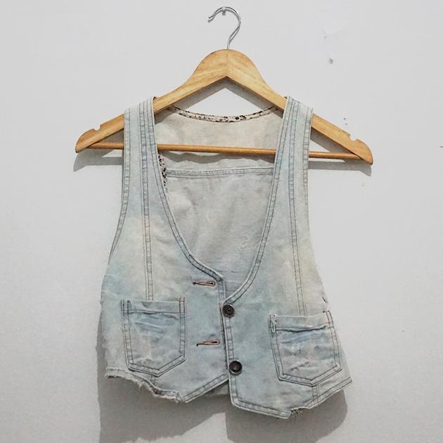 [MADE IN JAPAN] Denim Vest Ripped Vintage