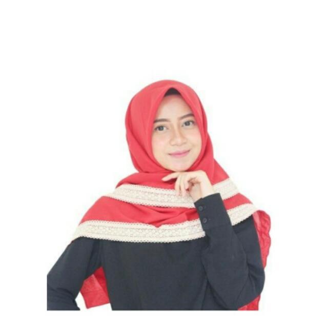 Parisku Hijab Segiempat