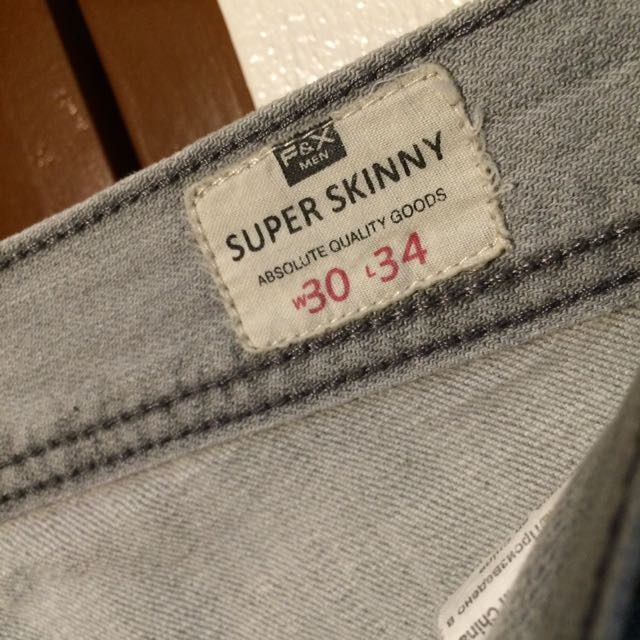 PRE OWNED F&X Skinny Jeans