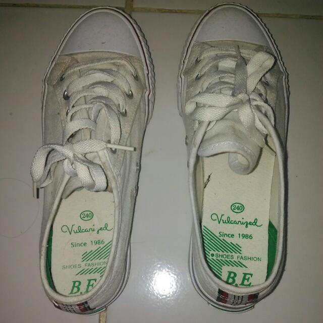 Sepatu Tali BEIER