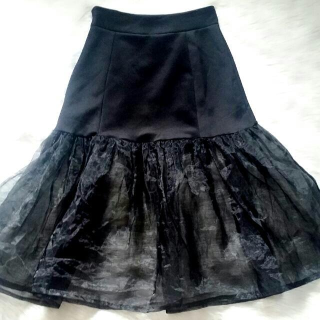Sheer bottom skirt