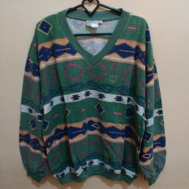Sweater tribal hijau